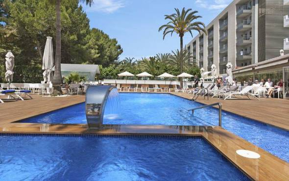 Swimming pool metropolitan playa hotel palma